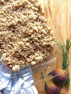 Apple fig crumble - Cook with Lu