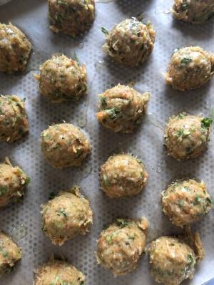 Chicken lemongrass meatballs