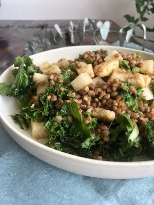 Salade de kasha à la vinaigrette au sésame
